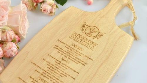 Menu gỗ sản phẩm độc đáo không thể thiếu đối với nhà hàng khách sạn đẳng cấp
